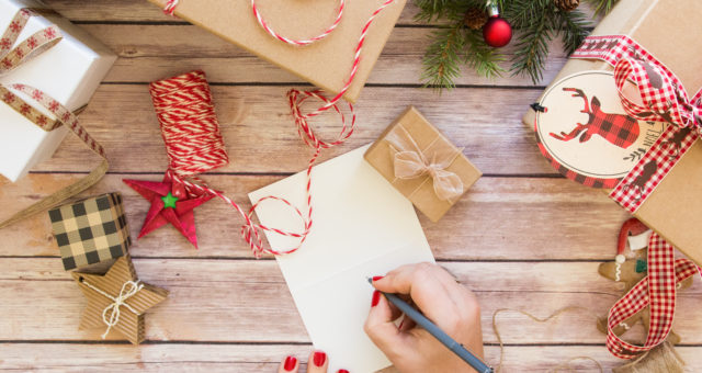 What to Write in a Christmas Card — The Sayings You Need for the Season